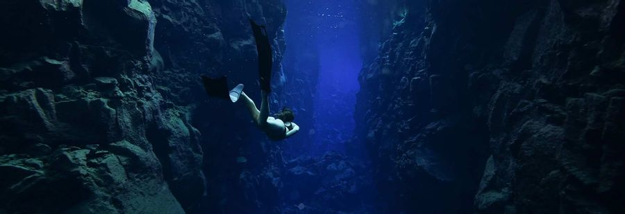 Descent - Freediving from the depths of the human psyche to its peaks