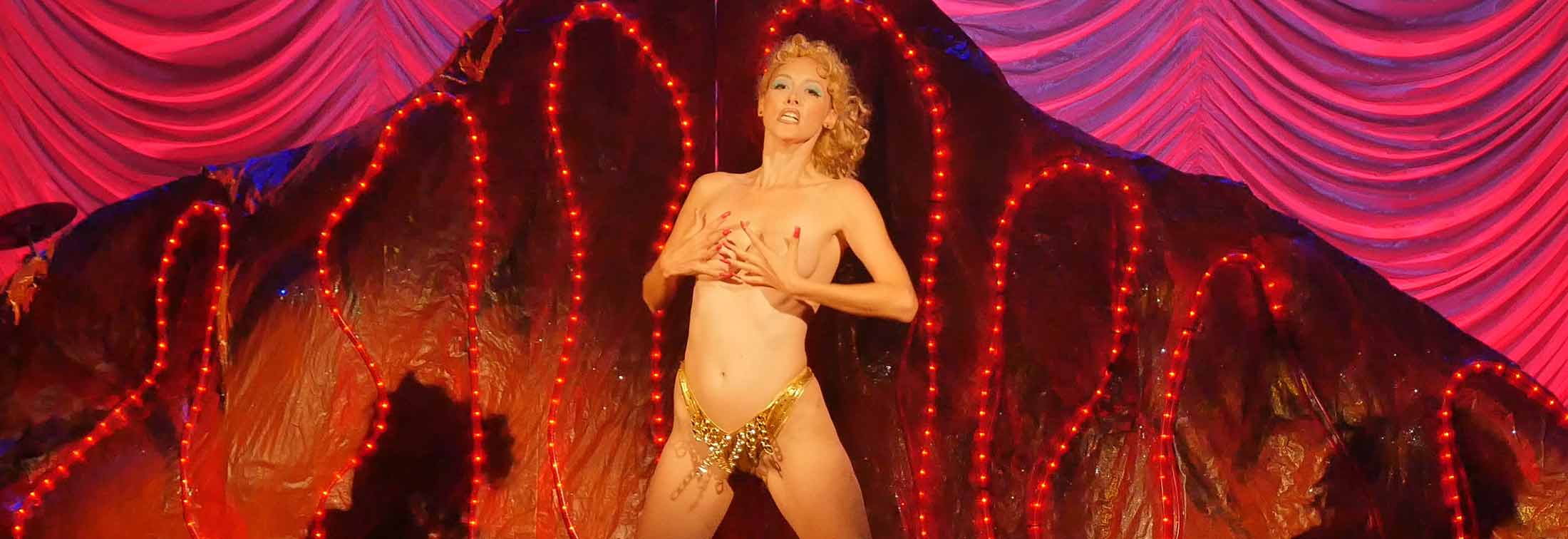 You Don't Nomi - 'Showgirls': shit or masterpiece of shit?